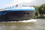 One of the beasts overtaking us on the Amsterdam-Rijn canal.
