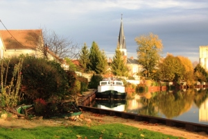 Endellion moored at Tours, the town we chose for the 11th of the 11th, Armistice Day.