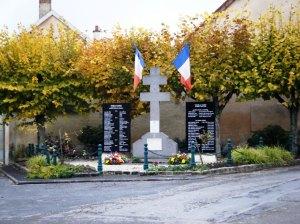 War memorial at Tours.