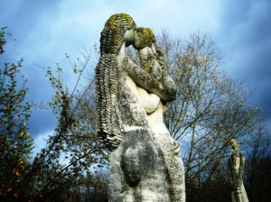 On the edge of the river Marne there are around forty huge and wonderful sculptures.