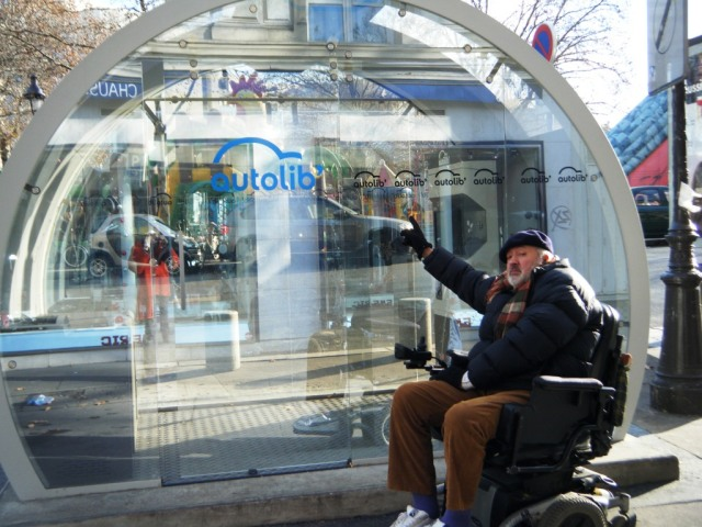 An AutoLib station at Place de la Bastille.
