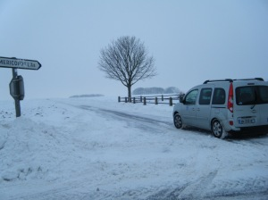 Deep snow and more coming, we chose to retrace our route to Amiens.