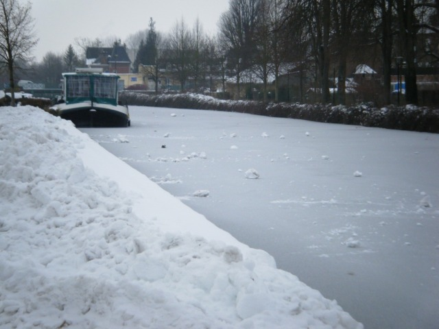 Pleasure boat moorings at Corbie on the Somme, but this boat won't be going anywhere soon -the whole canal is frozen over.