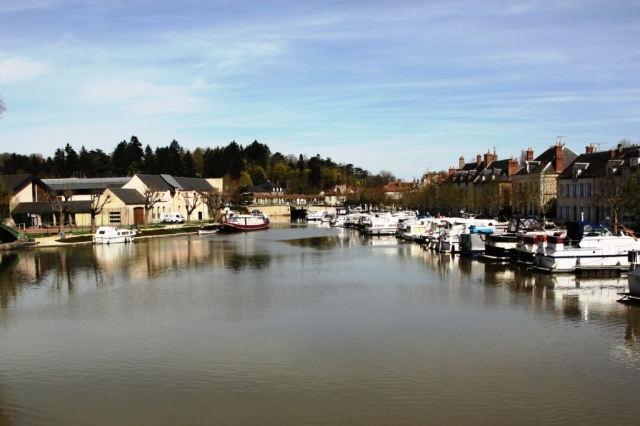 Briare lower harbour.