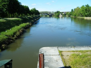Looking down on the Loire river from the lock at Decize.