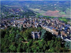 The from the town of Sancerre, image from Cycling Loir as it was rain with no view when we visited!