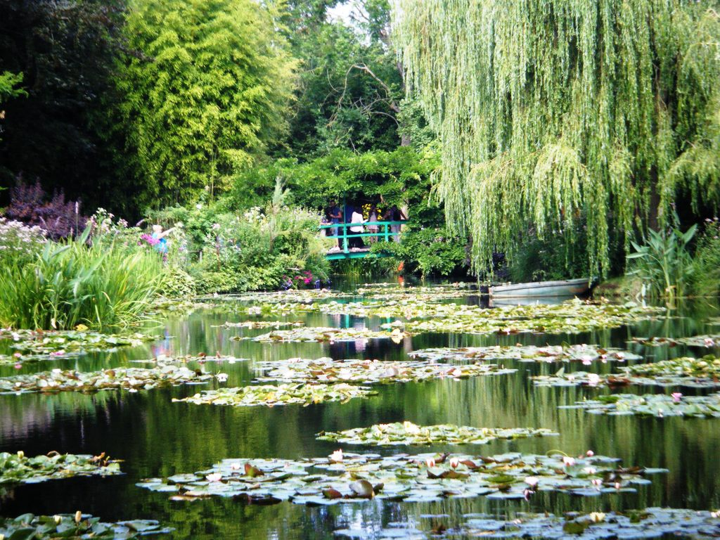 Monet gardens at Giverny 3 | Canal barge \'ENDELLION\'
