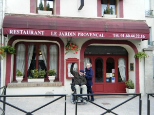 Janie and Stewart at the restaurant Le Jardin Provencal in Meaux.