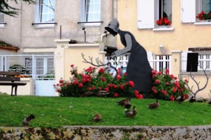 Sculpture at Cumieres